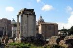 Das Forum Romanum mit Vesta-Tempel und Curia