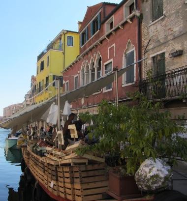 Marktboot in Venedig